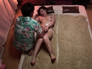 Subtitled Japanese massage clinic super woman oil treatment