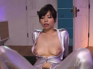 Smoking sexy japanese sweeping is cheerful to give a ride