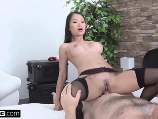 Elegant Asian Pussykat gets out be proper of keep back at the end of one's tether fucking the policewoman