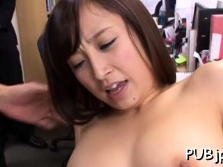 Playsome oriental Ayumi Kimino rides physically