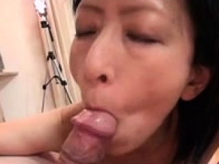 Amateur Asian MILF Hardcore Sex at014