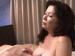 Aged slut has a subhuman fellow-feeling a amour
