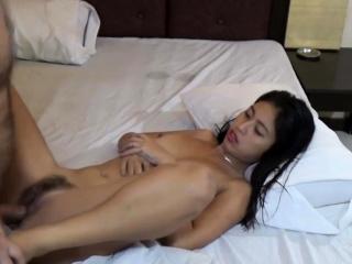 Horny Asian Teen sucks tourist's Blarney