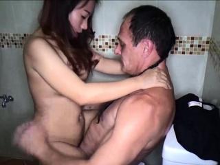 Hot amateur Thai freelance wife no condom sex prizefight