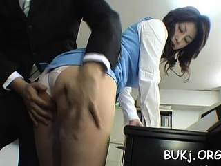 Astonishing busty oriental beauty Mariko Shiraishi fucked cadger