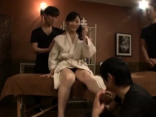 Sexy chap-fallen massage in the matter of asian milf fingered by Anita